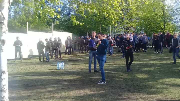 Такие же, как ИГИЛ! Лицом протестов в Екатеринбурге назвали боевую единицу Госдепа США