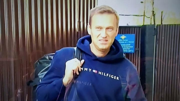 Навальный получил суровый урок от своих же: Издевательства над ветераном - не дворец Путина