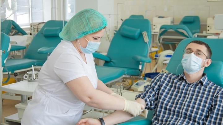 В Челябинской области запаслись антиковидной донорской плазмой до конца года