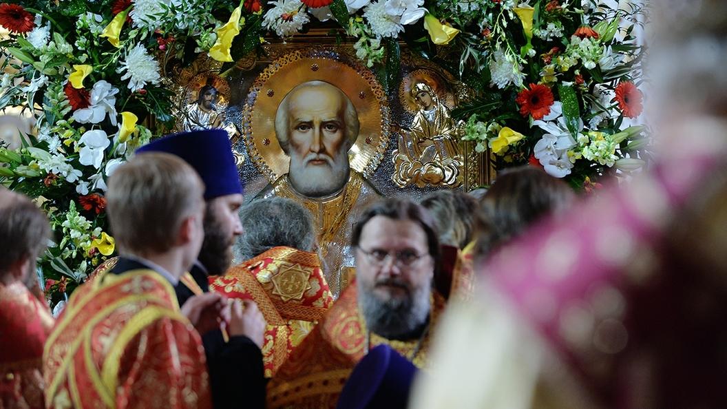 К мощам Святителя Николая Чудотворца в Москву приехали верующие со всей страны