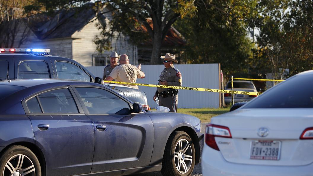 СМИ проинформировали, что убивший 26 человек техасский стрелок покончил ссобой