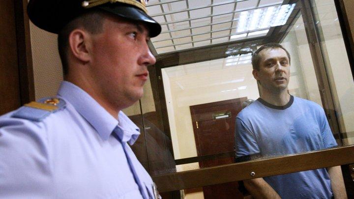 В ресторане поел рыбки на 6 миллионов: Новые подробности дела экс-полковника Захарченко