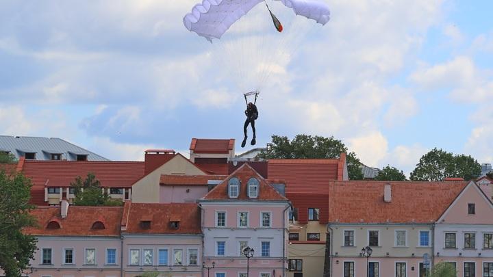 Путин занят, и Запад всё больше обольщает Лукашенко: The Independent усомнился в белорусском Майдане
