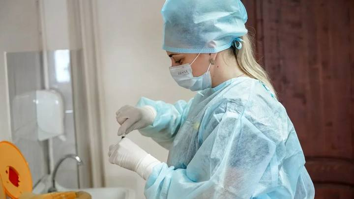 Готовятся ко вспышке: В ковидных госпиталях Сочи нарастили число коек