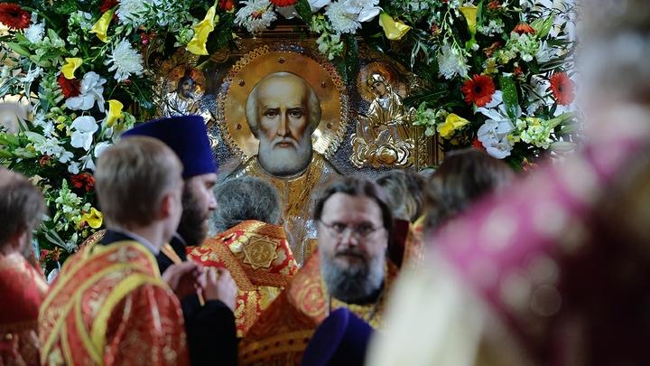 Патриарх Кирилл возрадовался, что миллионы верующих смогли поклониться мощам святителя Николая