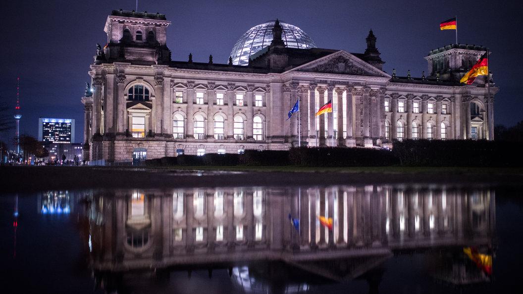 Германия увеличивает выплаты мигрантам, которые добровольно покинут страну