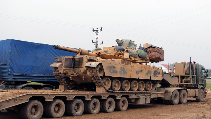 К границам Греции стягиваются танки, но турки статус-кво не нарушили. Пока