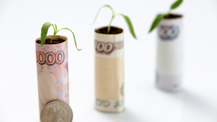 Насколько выросли зарплаты в России за 20 лет? Медведев объяснил одним примером