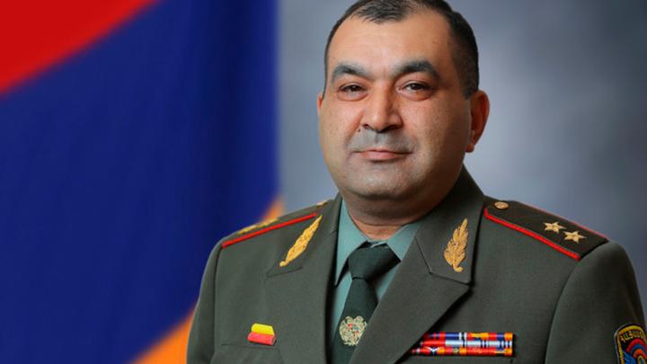 Экс замглавы Генштаба Армении требует вернуть его на службу