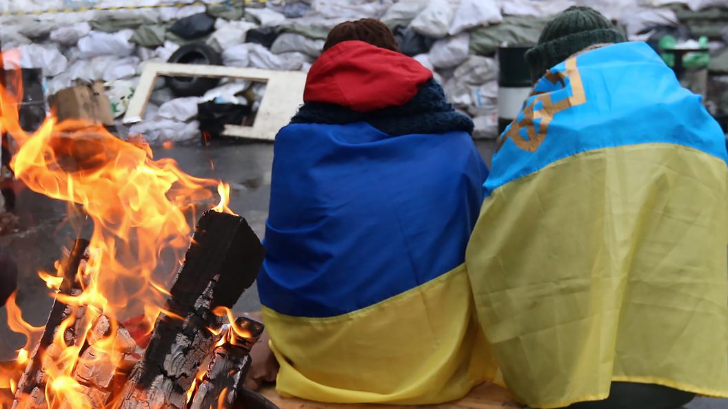 Минфину Украины возвращать долги мешает… народ