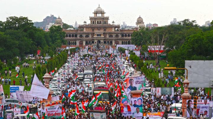 В Индии проходят крупнейшие выборы в мировой истории, и есть интрига
