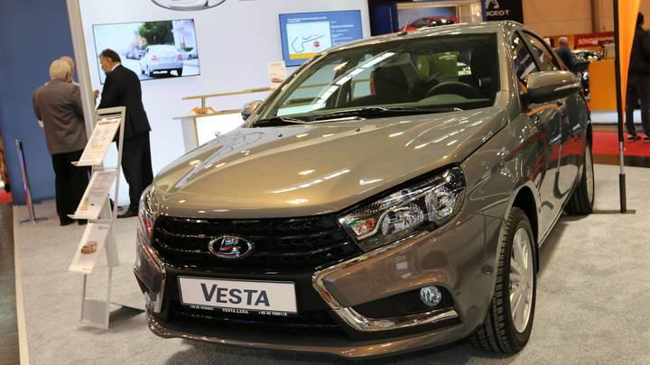 «АвтоВАЗ» вернулся: Его машины снова стали самыми продаваемыми в России