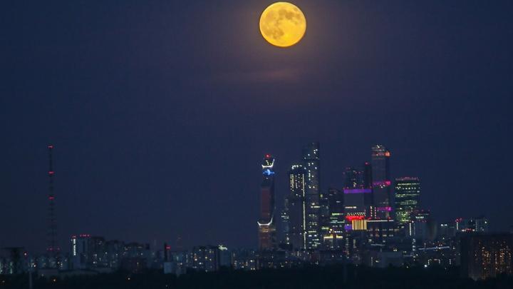 Российские астрономы 60 лет назад доказали, что Луна с одной стороны гладкая