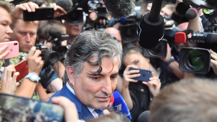Странный мужик...: Адвокат Ефремова запутался в собственных показаниях