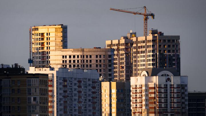 Стало известно, сколько жителям Санкт-Петербурга нужно копить на первый взнос по ипотеке