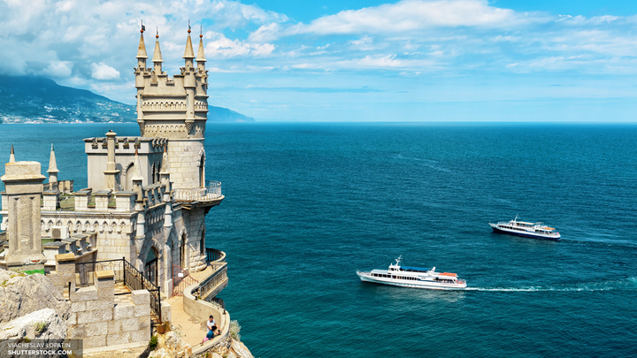 Отечественные курорты: Туристы выбирают Краснодарский край и Крым