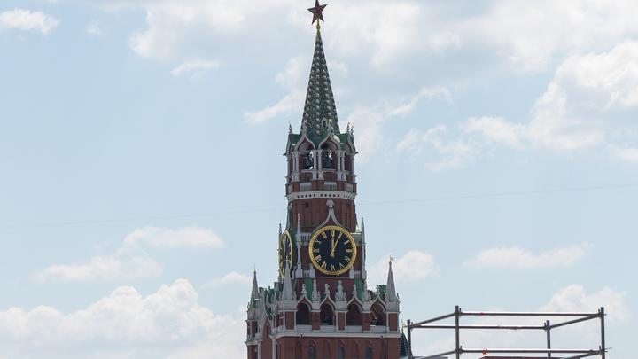 Обновлённые куранты Спасской башни исполнят гимн России. Стало известно, как Путин встретит 4 ноября