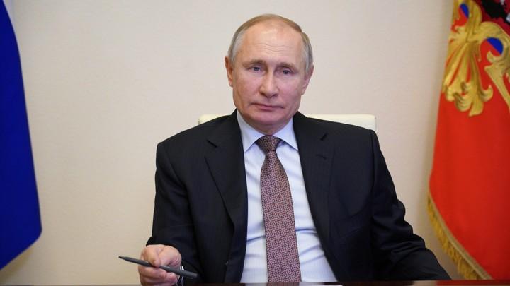 Послание Путина: Президент спросит с чиновников за демографию и образование