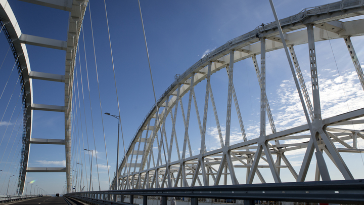 Русское наследство Киев пытается выдать за своё. Даже угрожая разрушить Крымский мост