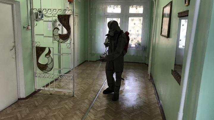 МЧС проводит дезинфекцию школ и детсадов в Гусь-Хрустальном