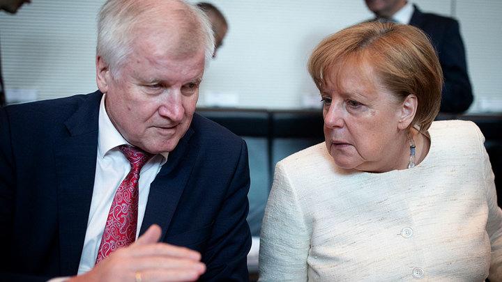 Почему не удалось сместить Меркель