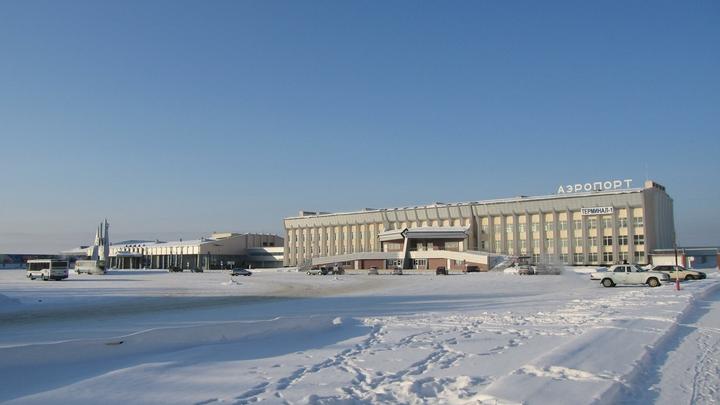 В ульяновском аэропорту предприятия Авиастар-СП снегоуборщик врезался в самолёт