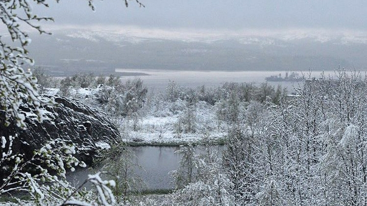 Пользователи делятся снимками сугробов, а синоптики говорят, что зимняя сказка скоро растает