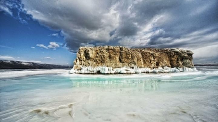 Чистейшее озеро в мире становится токсичным: Водичку из Байкала пить уже нельзя - учёный