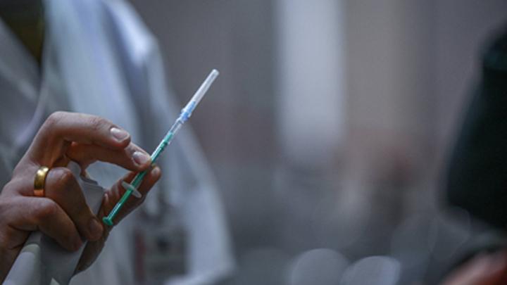 Эксперты предупредили о рисках с иностранными вакцинами