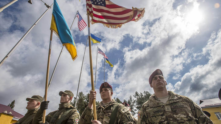 Новый конфликт Украины с Россией по правилам НАТО: Кто стоит за военной доктриной Зеленского