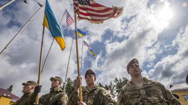 Спецагенты ЦРУ тайно прилетели в Киев - соцсети
