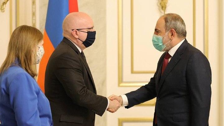 Находящийся в отпуске Пашинян принял высокопоставленную американскую делегацию