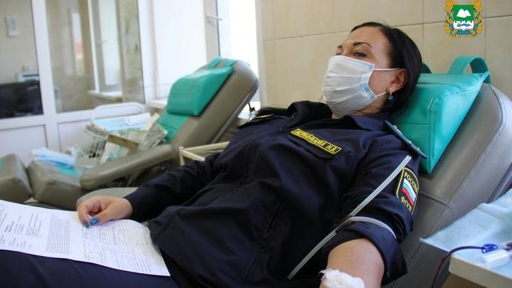 В Курганской области медики заготовили 247 литров консервированной крови