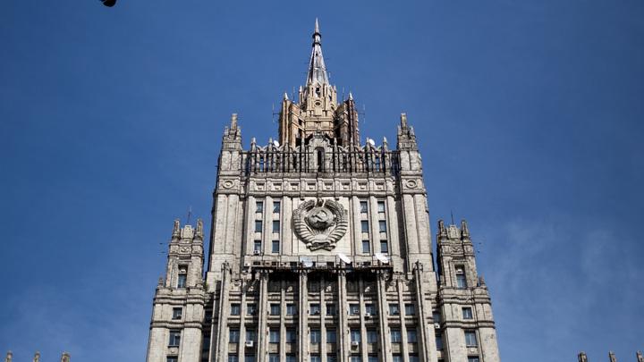 МИД России дал совет главе Минобороны Британии по делу о новом отравлении «Новичком»