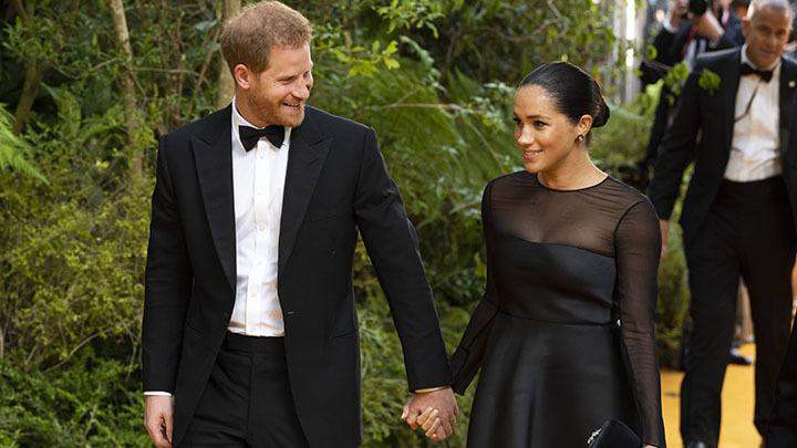 В Шотландию - за новыми титулами: Меган Маркл и принц Гарри получат другие имена