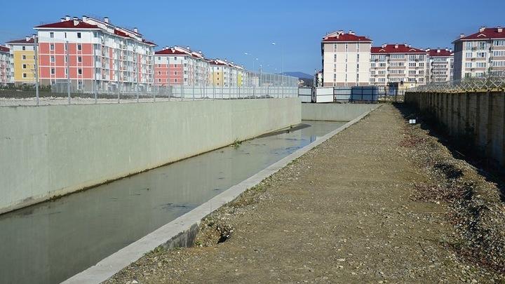 Сухие могилы и бизнес татар: В Крыму рассказали о драках за воду