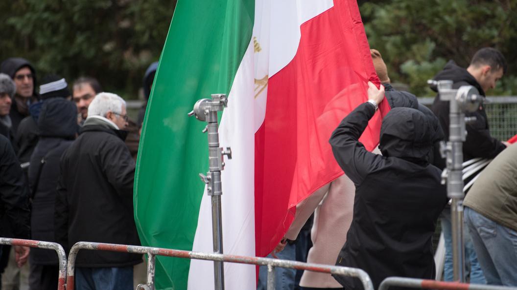 Массовые протесты в Иране собрали лишь 50 человек