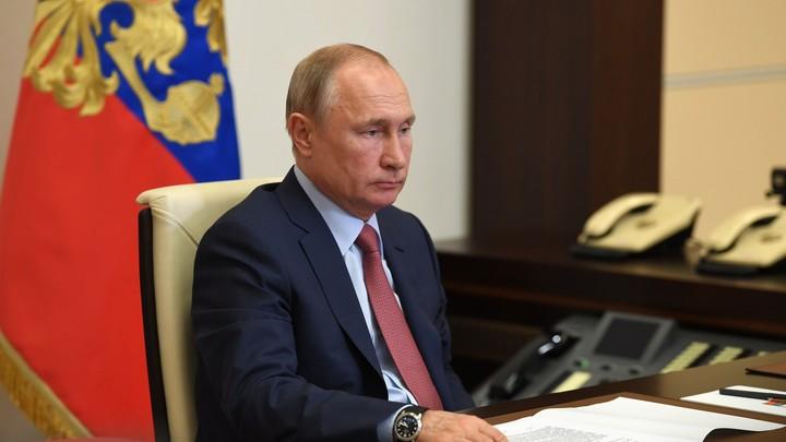 Путин вычёркивает из списка... фамилию Собянина: Реакция президента заинтриговала зрителей