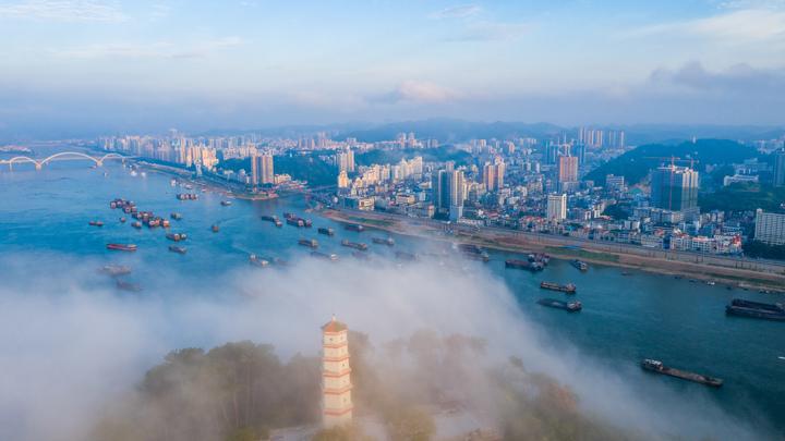 10 человек погибли из-за кораблекрушения в Китайской провинции