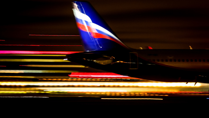Выкатившийся за пределы ВПП самолет заблокировал работу Шереметьева