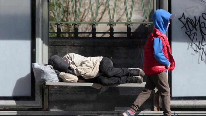 В Петербурге чиновники решили дать статус ветеранов труда бездомным