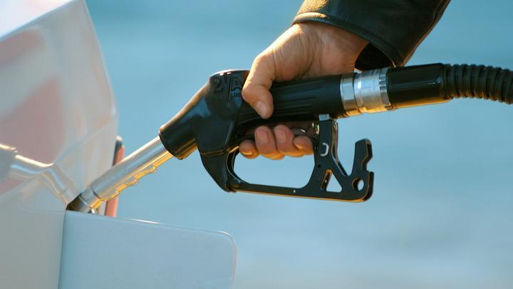 Цены на бензин продолжат расти: Аналитик объяснил топливный парадокс