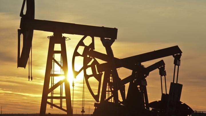России это на руку? Фьючерс на нефть WTI укатился в минуса - что это значит для нас
