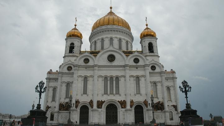 В Русской Церкви считают, что линейки в школах должны проходить 1 сентября