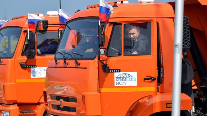 «У меня ребенок здесь родился»: Соловьев «подслушал» дорожные истории, рассказанные Путину