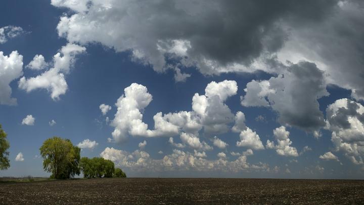 NASA показало редкие светящиеся облака - видео