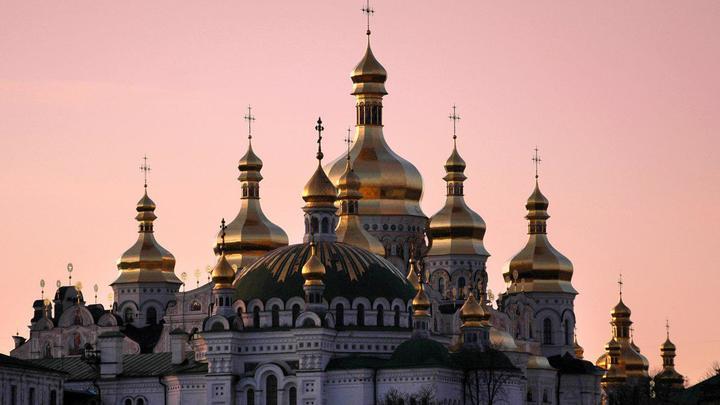 Киев пригрозил переименовать Украинскую Церковь силой