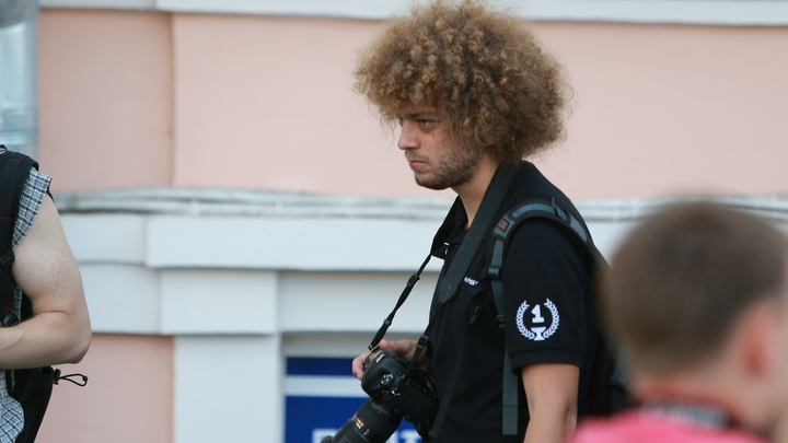 Получасовая проверка документов у блогера Варламова вызвала истерику у либералов