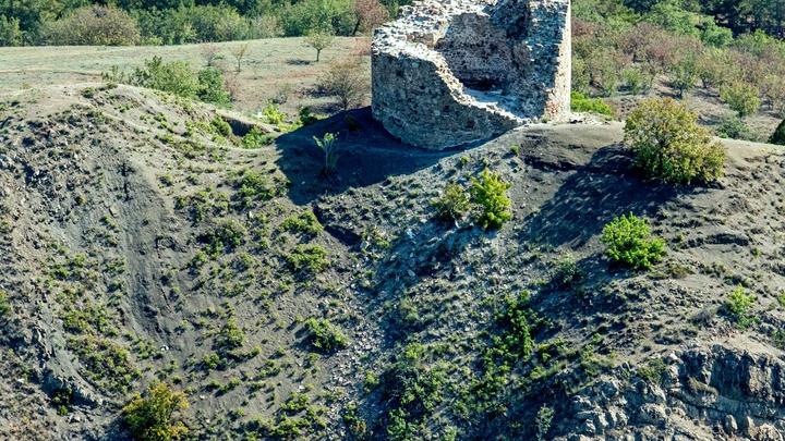 В Евпатории найдена загадочная могила ребенка