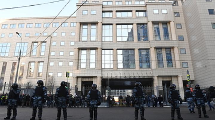 До полной ликвидации: Прокуратура добивается уничтожения детища Навального